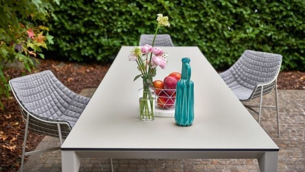 babette table detail