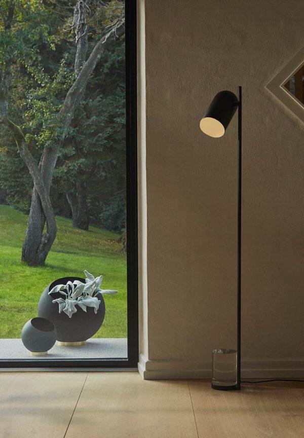 AYTM Floor lamp black matt design
