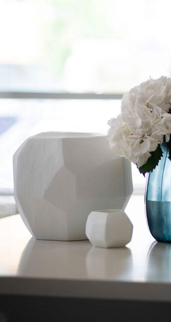 Designer vase GUAXS cubistic opal tealights