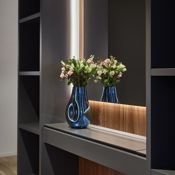 bomma-soap-vase-blue-crystal-handmade-luxury